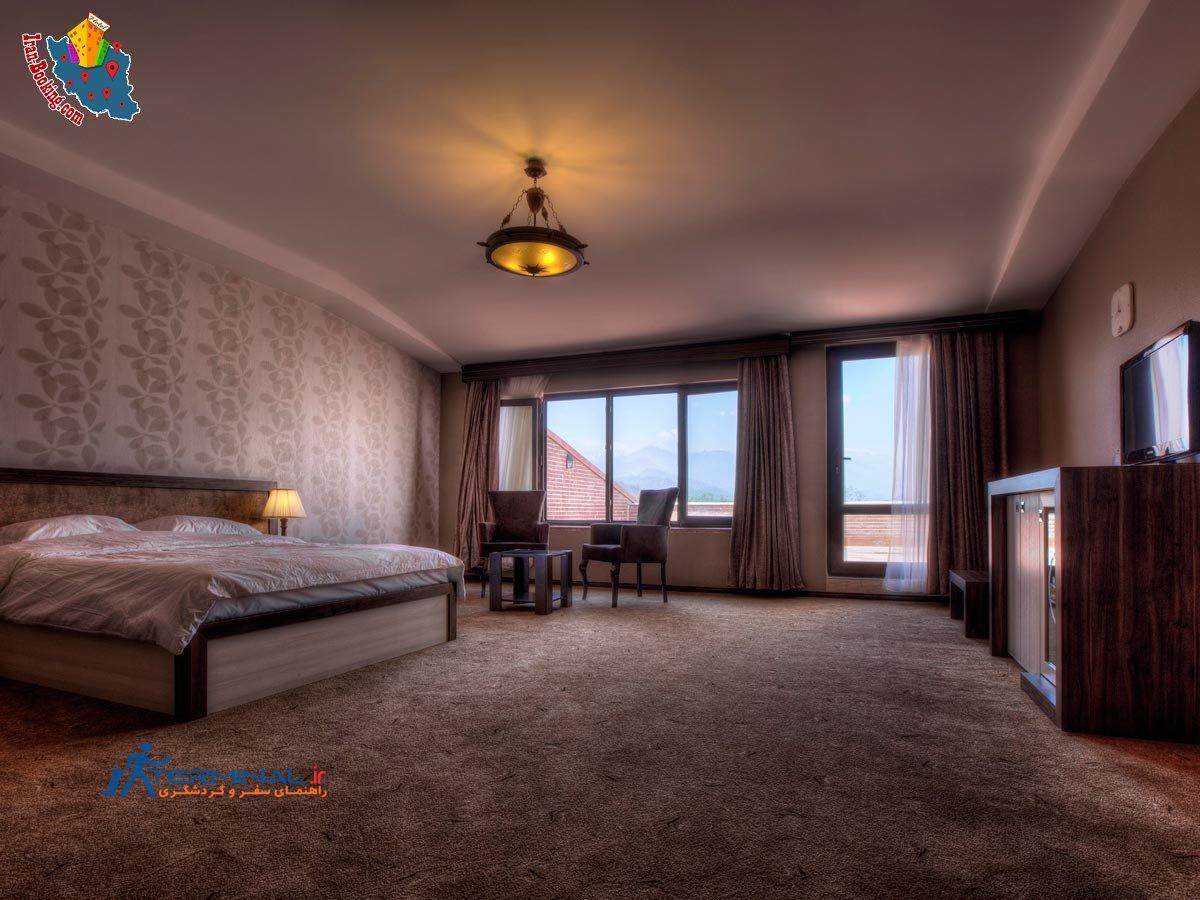 http://terminal.ir/wp-content/uploads/2015/06/moein-hotel-fuman-room.jpg