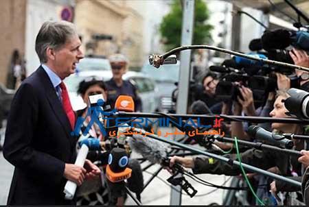 ابتکار یک خبرنگار در وین محل مذاکرات هسته ای+عکس
