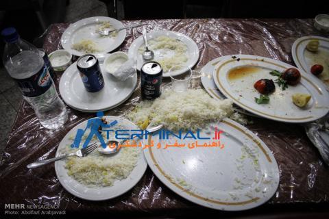 اسراف غذا در رستوران