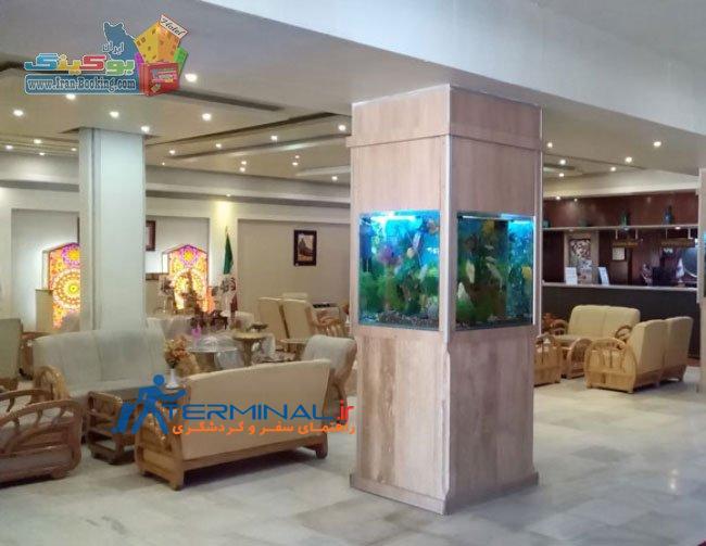 parsian-suite-isfahan-lobby.jpg (650×503)