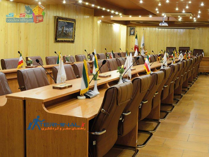 setaregan-hotel-shiraz-conference-room.jpg (800×600)
