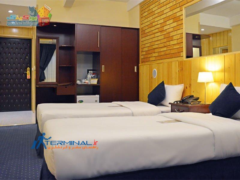 setaregan-hotel-shiraz-room-twin-2.jpg (800×600)