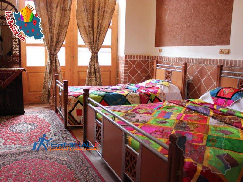 viuna-hotel-abyaneh-room.jpg (800×600)