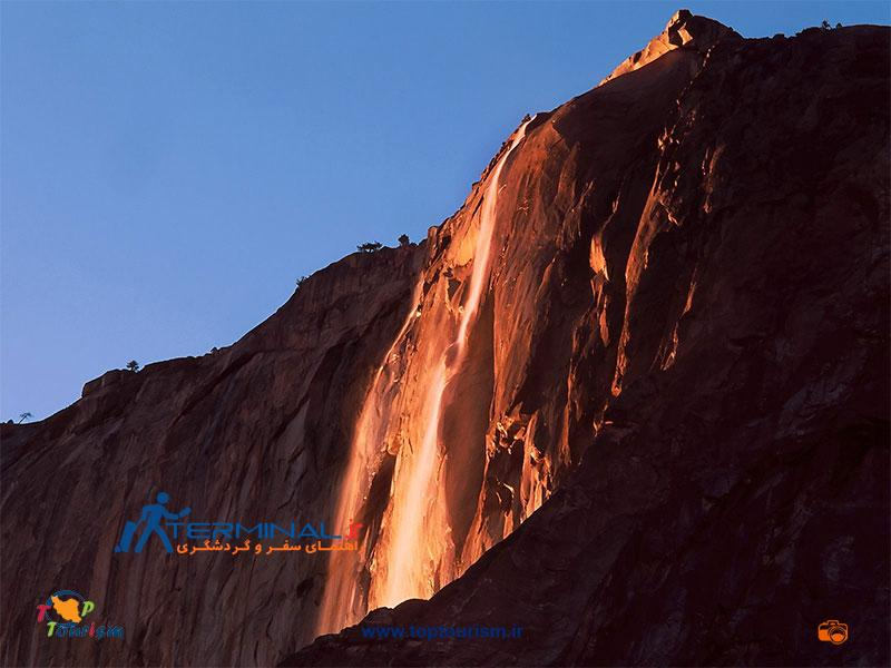 Yosemite-Fall-night
