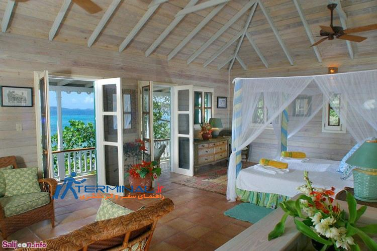 the-one-bedroom-one-bathroom-cottage-has-simple-decorations-and-a-terra-cotta-tiled-veranda