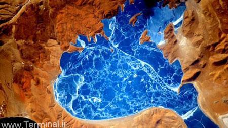 تصویر دریاچه یخ زده هیمالیا از فضا