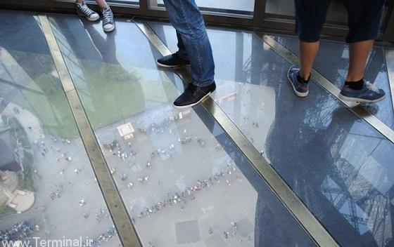 glass floor eiffel tower